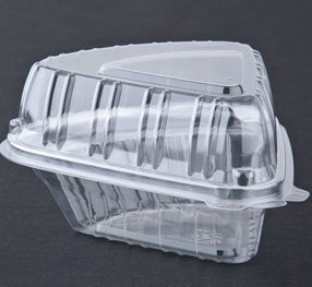 A World Of Deals Small Clear Plastic Hinged Food Container